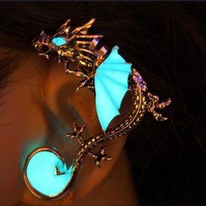 Jewelry - Glow in Dark Dragon 🐉 Cuff Earring